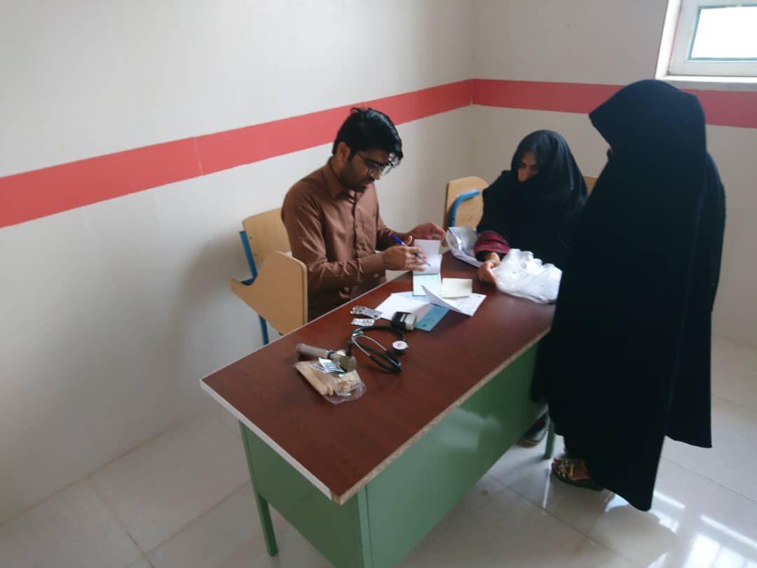 ویزیت رایگان بیش از ۴۵۰ بیمار در روستای نوکآباد ایرانشهر