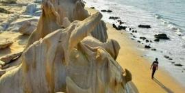 اولویت استفاده از ساحل مُکسّر بندر مُقام گردشگری است